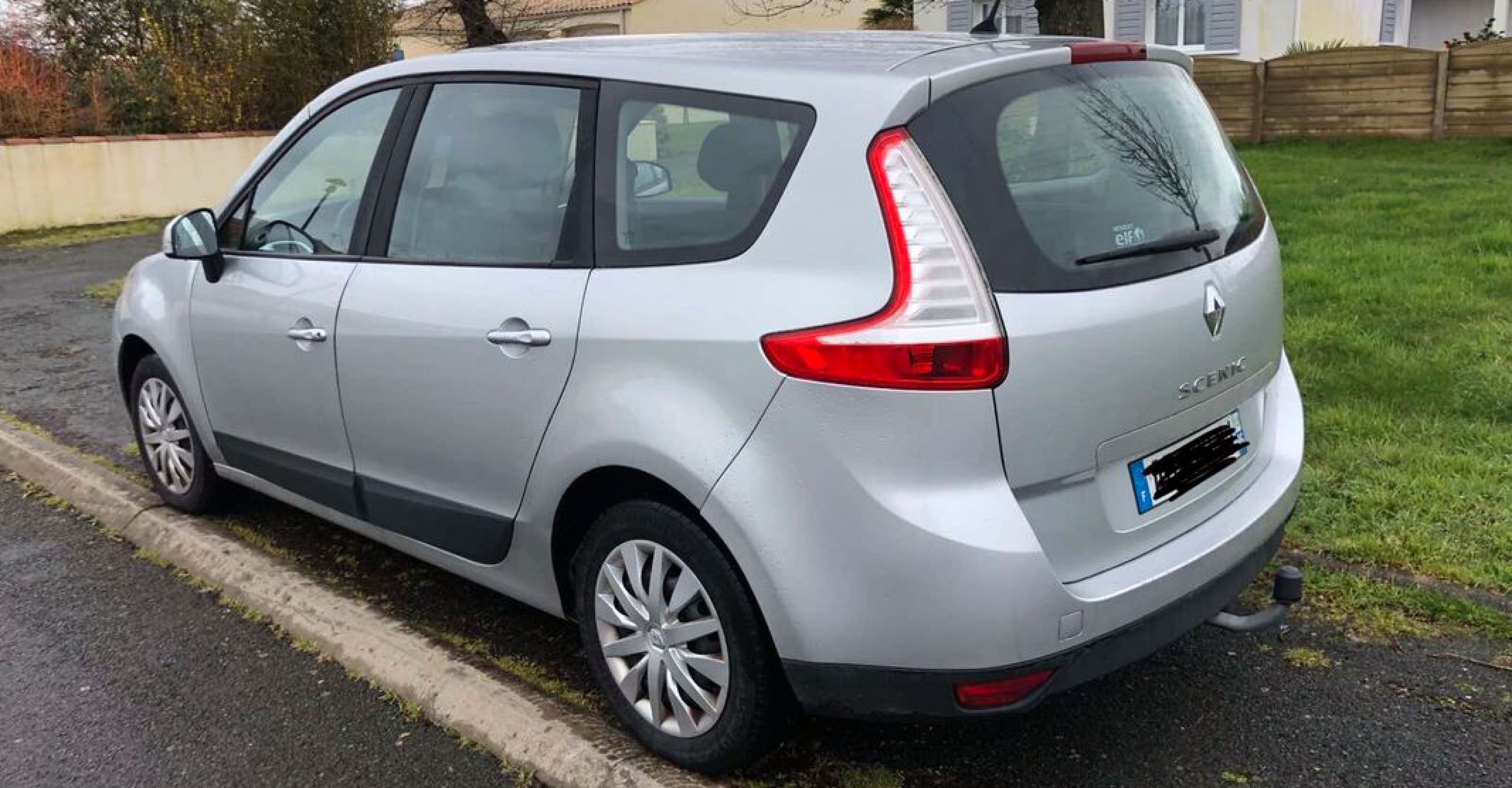 Renault scenic lll 1l5 dci - Photo 2