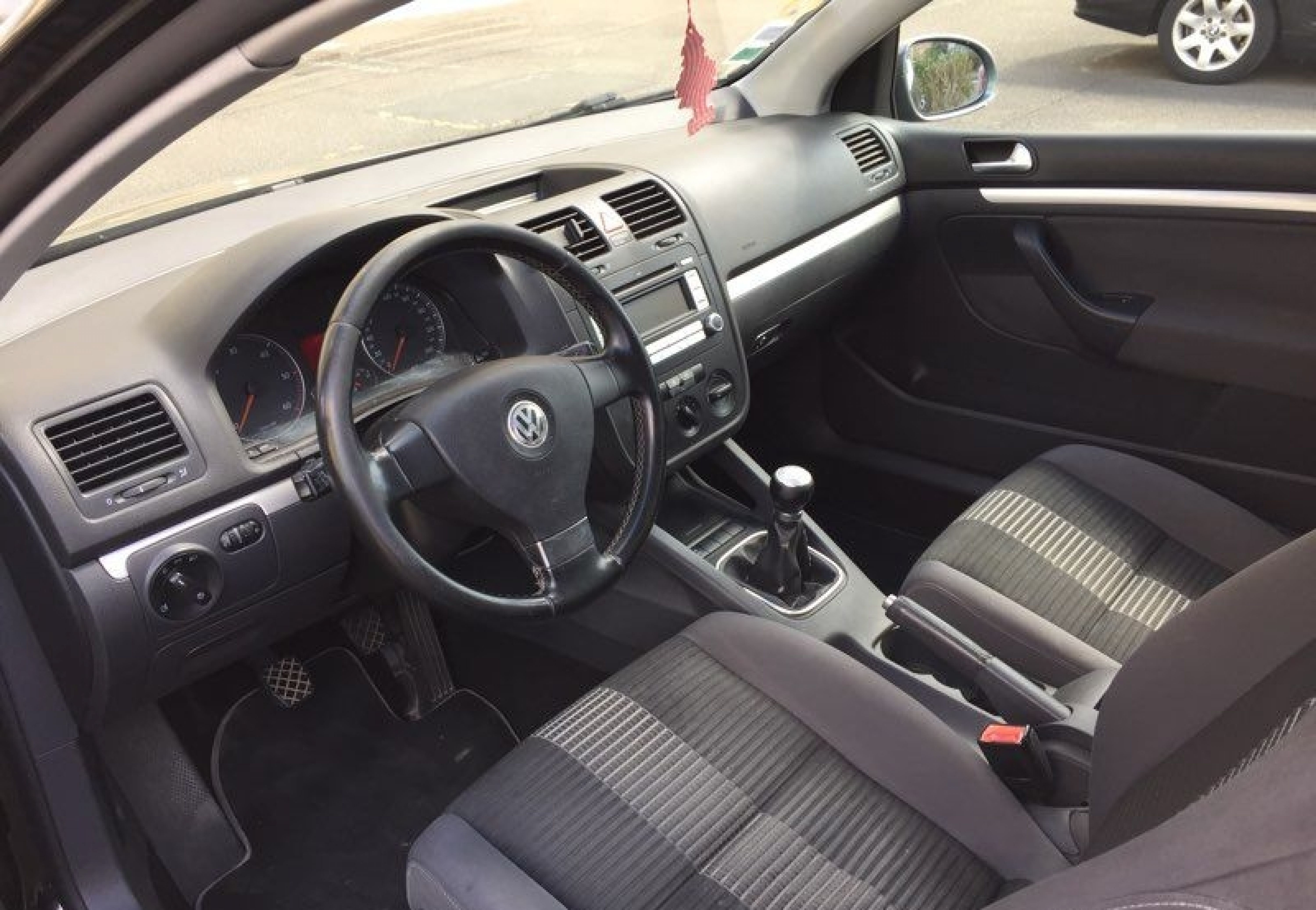 Golf v 1.9 tdi  - Photo 3